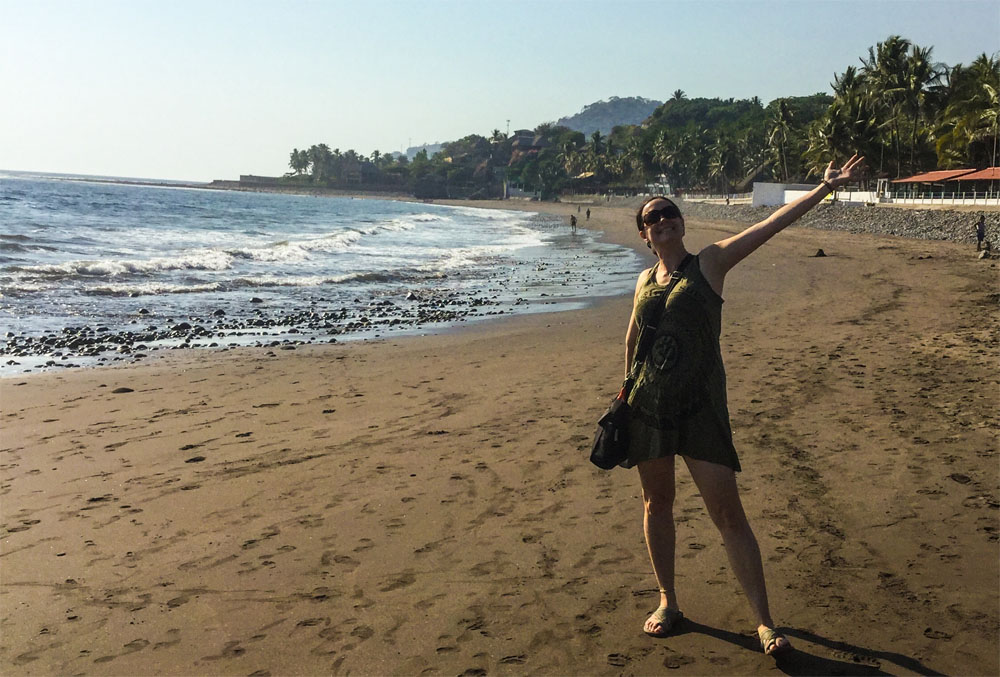 Kylee standing on the beach at El Tunco