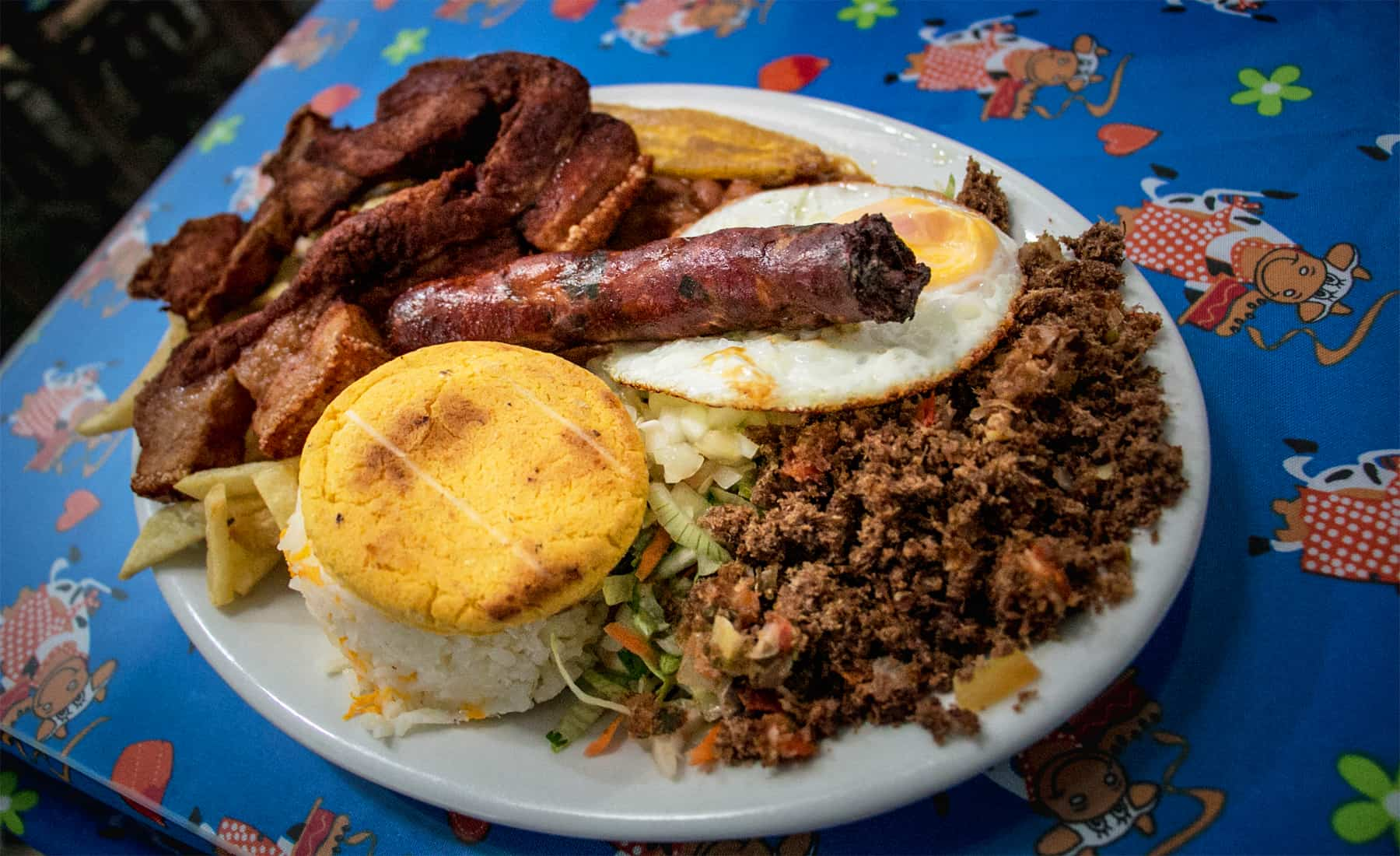 Food of Colombia [What to Eat and Where to Find It]