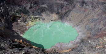 Detailed Guide to Hiking the Santa Ana Volcano in El Salvador